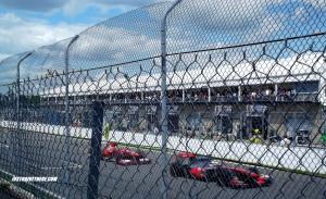 Sunday Race, main straight